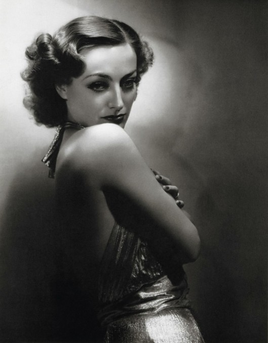 {Joan Crawford via doctormacro.com}
